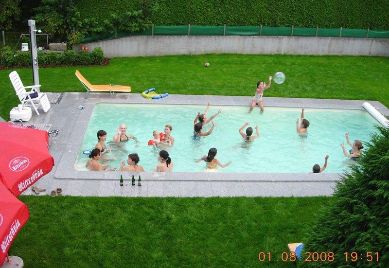 2008 Neuer Pool während der SZ-Sommerparty